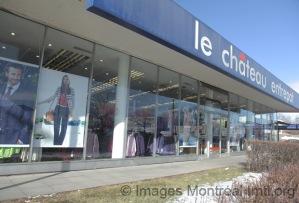 Devanture du magasin-entrepôt Le Château sur la rue Jean-Talon Ouest