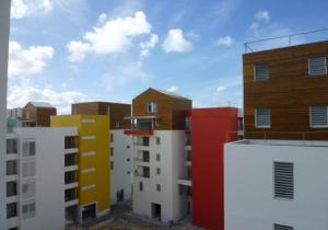 Chantier de logements sociaux dans le quartier de Bergevin (Pointe-à-Pitre, Guadeloupe)