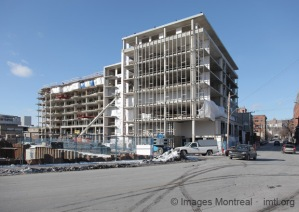 Phase 1 des condos Le Canal Griffintown en construction
