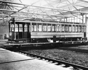 Fabrication d'un tramway dans les ateliers d'Youville