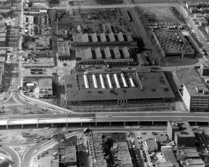 Vue aérienne des ateliers d'Youville en 1959