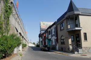 Maisons anciennes longeant la rue May, menacées de démolition en faveur de l'élargissement de l'autoroute 15 en marge de la construction du futur pont Champlain
