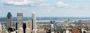 Vue du nouveau pont Champlain depuis le Mont-Royal avec les gratte-ciels du centre-ville de Montréal au premier plan