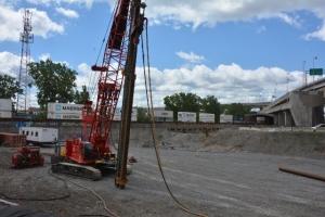 Construction des futures structures ferroviaires de l'échangeur Turcot