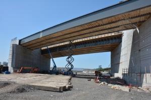 Construction du pont d'étagement du boulevard Pullman