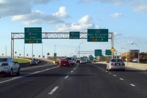 Circulation sur l'autoroute 40 est au niveau de l'échangeur des Laurentides