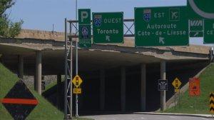 Viaduc de l'autoroute 20 surplombant le rond-point Dorval au niveau de l'échangeur
