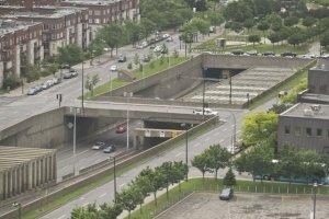 L'autoroute Ville-Marie vue depuis un immeuble du centre-ville de Montréal