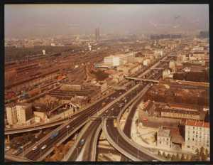 Vue de l'autoroute A1 à Saint-Denis (Île-de-France, France) en 1972, avant sa couverture réalisée dans les années 1990