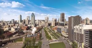 Le futur boulevard urbain du projet Bonaventure avec le centre-ville de Montréal en arrière-plan
