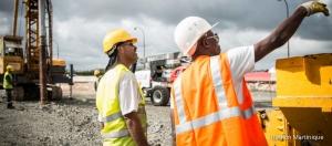 Ouvriers sur le chantier du TCSP de Martinique