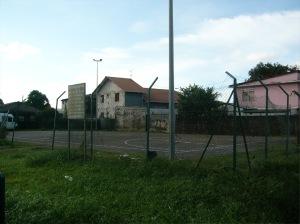 Un aspect de délabrement du Faubourg-L'Abri à Cayenne, un quartier placé en rénovation urbaine et devant être desservi par le futur BHNS de la CACL