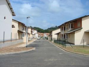 La résidence Saint-Martin, constituée de maisons de ville, dans le quartier de Palika, à Cayenne