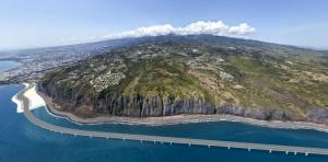 Visualisation du projet de la Nouvelle Route du Littoral (NRL) sur l'île de la Réunion