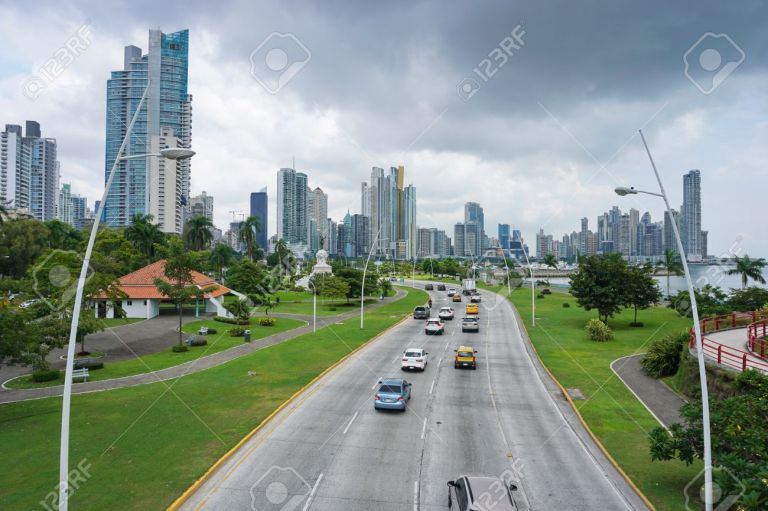 Cars and trucks on the highway in Panama City
