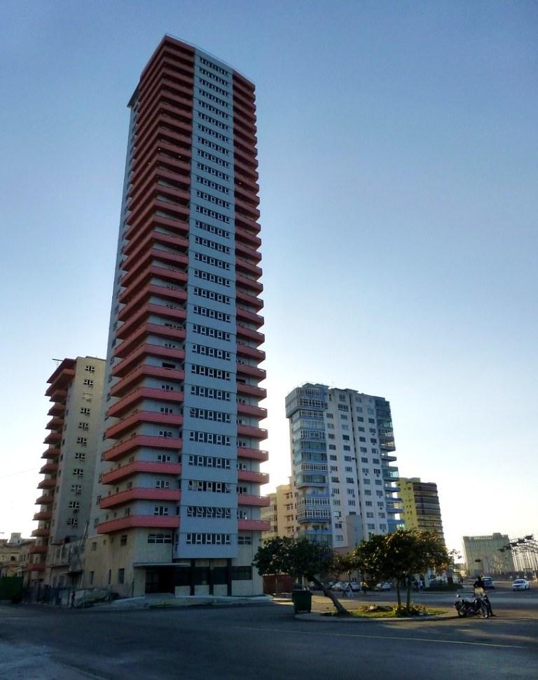Edificio Someillan (La Havane, Cuba)